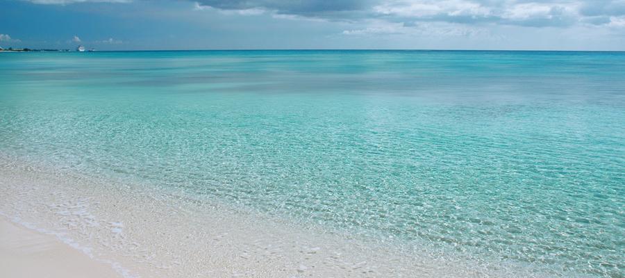 Grand Cayman Seven Mile Beach Ocean Front Inium Als 7 Condo Location
